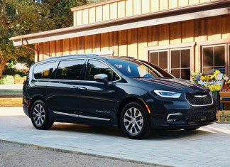Chrysler Pacifica Hybrid Limited can get you to your happy place
