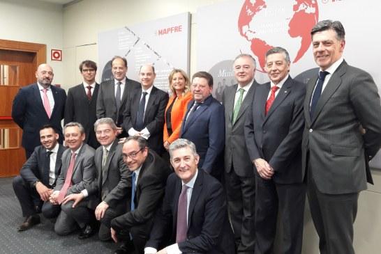 La nueva Comisión Permanente del Consejo General se reúne con Mapfre
