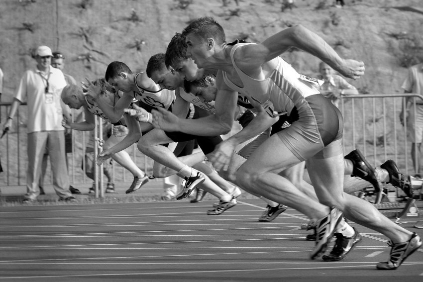 End on view on runners in race