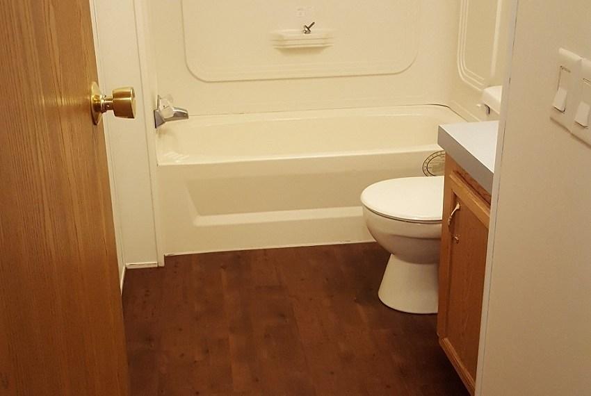 Mobile-home-bathroom-Golen, CO