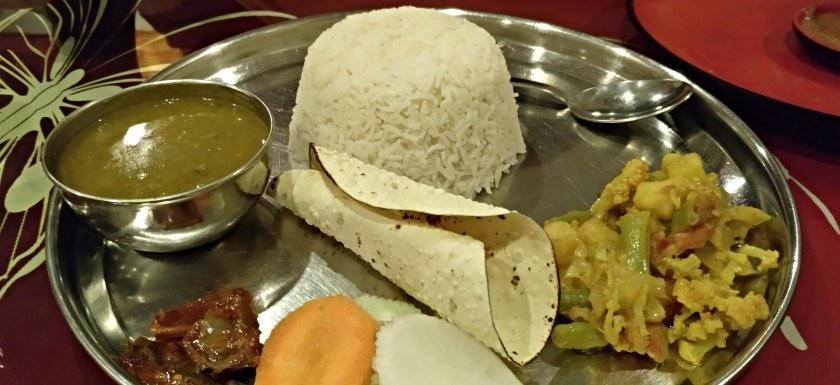 como-dar-la-vuelta-al-mundo-comida-nepal