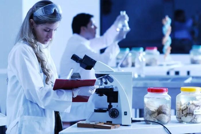 Para que la medicina avance en sus descubrimientos necesita la ayuda de estadisticos, con el fin de analizar de manera adecuada los datos