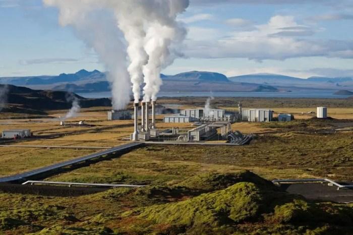 Las plantas de energia pueden abastecerse de una fuente natural como la geotermica