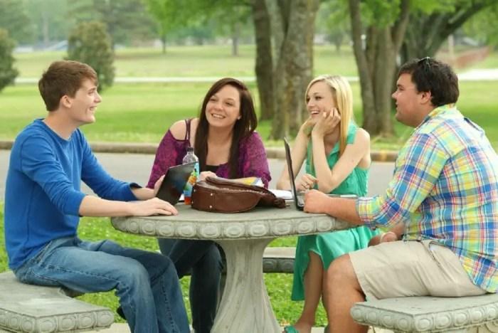 Aprende a manejar el estres hablando con tus amigos