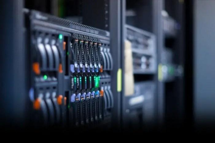 como funciona un hosting
