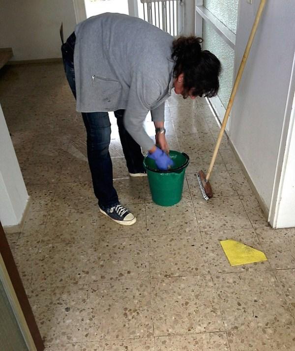 C mo limpiar pisos de cemento c mo lo puedo hacer - Como hacer brillar el piso de cemento ...