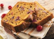 Cómo preparar pan de calabaza con arándanos agrios