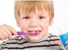 Cómo enseñarle a tus hijos a tener una buena higiene dental
