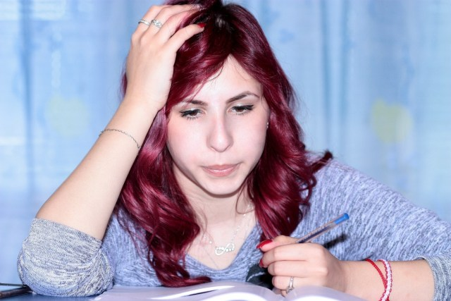 Cómo teñir el cabello de rojo