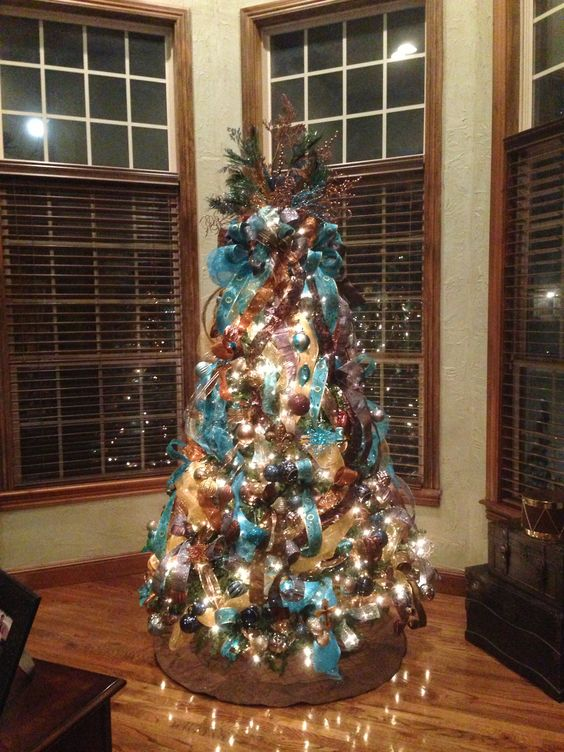 Decoration Ideas For Christmas In Teal With Copper