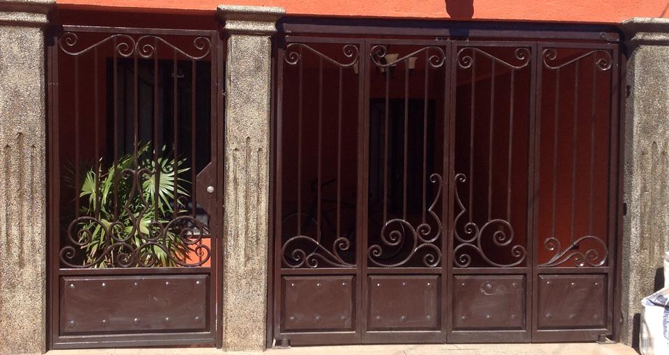 Tendencias en puertas de herreria 36  Como Organizar la Casa  Fachadas  Decoracion de interiores  Ideas para Fiestas  Moda Mujeres de 40