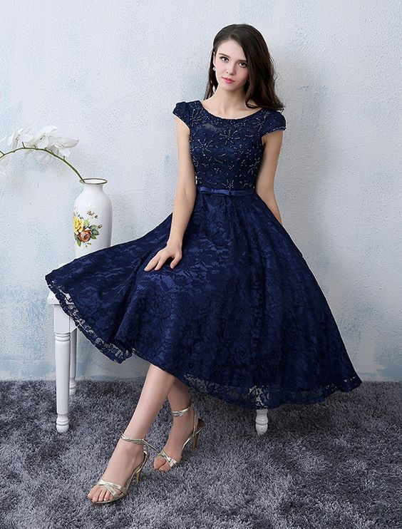 Ideas de outfits para combinar el color azul marino 25