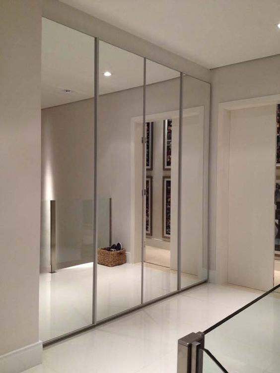 Closets con puertas de espejo