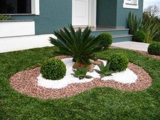 Jardines pequenos para entradas de casas 3  Como Organizar la Casa  Fachadas  Decoracion de