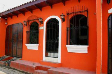 casas colores fachadas pintar naranja exteriores fachada mexico fuertes rosa esta