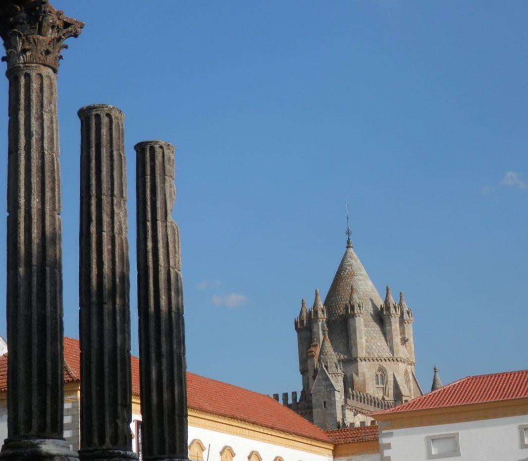 catedral y templo romano evora portugal