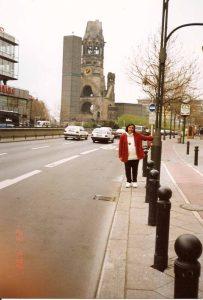 Muro de Berlim, Queda, Viagem 1992 - Foto Nathalia Molina @ComoViaja