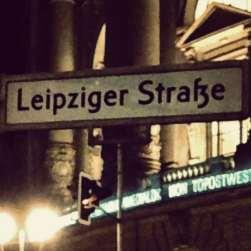 Berlim Oriental Rua Leipziger Strasse Alemanha Viagem - Foto Nathalia Molina @ComoViaja