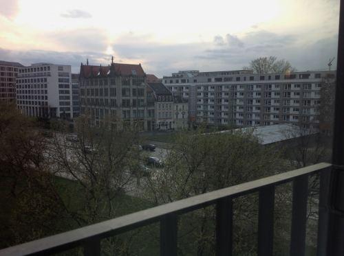 Hotel em Berlim Novotel Mitte Vista do Quarto Viagem Alemanha - Foto Nathalia Molina @ComoViaja
