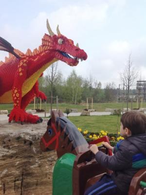 Legoland Hotel Lego Dragao Alemanha - Foto Nathalia Molina @ComoViaja (1) (765x1024)