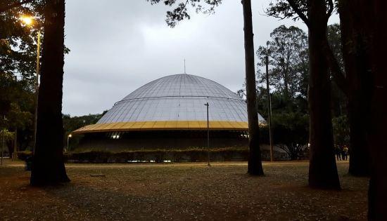 parque-do-ibirapuera-em-sao-paulo-planetario-foto-nathalia-molina