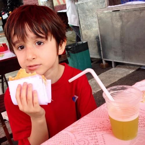 Pastel de Feira, São Paulo, Sabor Queijo, Joaquim - Foto Nathalia Molina @ComoViaja (4) (800x800)