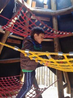 Playmobil FunPark Alemanha Parque Criancas Nuremberg Dinossauro - Foto Nathalia Molina @ComoViaja (2) (598x800)