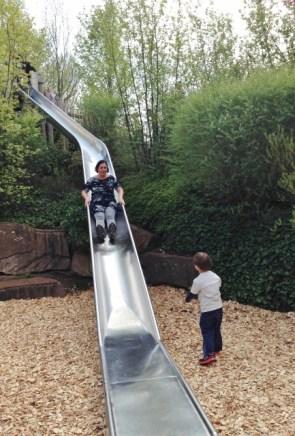 Playmobil FunPark Castelo Parque Alemanha Crianca Nuremberg Escorrega - Foto Nathalia Molina @ComoViaja (433x640)