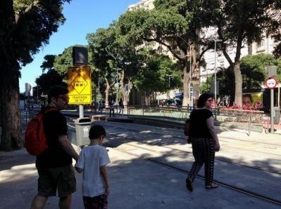 VLT Rio de Janeiro Travessia na Avenida Rio Branco - Foto Nathalia Molina @ComoViaja
