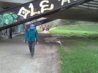 Siamo lungo l'Arno, c'è un vento freddissimo, povero Said, non c'è abituato.