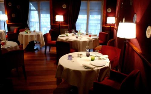 Restaurant avec une ambiance romantique