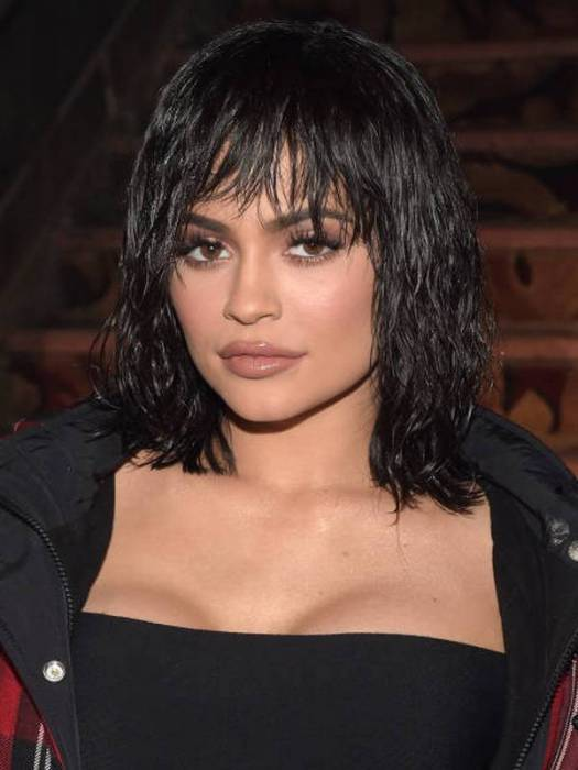 Compare Kylie Jenner's height, weight, body measurements ...