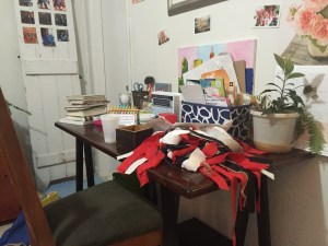 messy desk Compared to Who Practice hospitality