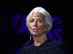 Kurs euro powyżej 1,21 USD. Lagarde (EBC) uważa, że jest zbyt wcześnie na debatę o zakończeniu PEPP