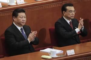Od lewej, prezydent ChRLD Xi Jinping oraz premier Li Keqiang na kongresie podczas którego ogłoszono plan rozwoju. | źródło: www.wsj.com