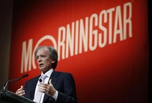 Bill Gross przemawia na Morningstar Investment Conference w Chicago.   źródło: www.reuters.com