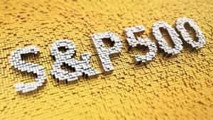 Biały napis s&p500 na żółtym tle