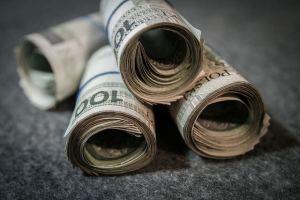 Kurs złotego (USD/PLN) odrobił część strat, frankowicze jeszcze poczekają