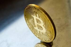 Wall Street zastanawia się, czy bitcoin może kiedykolwiek zastąpić dolara