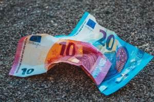 Kurs euro (EUR/USD)wzrósł do okolic 1,2120 - komentarz CMC Markets