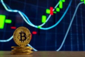 Bitcoin z nowym rekordem. Kurs BTC testuje 62,7 tys. dol.!