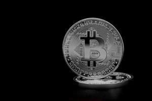 Kryptowaluty znowu spadają. Spokojny Forex, niespokojny bitcoin