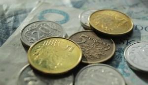 Kursy walut. Dolar traci, euro (EUR/PLN) również mocniej w dół