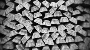 Cena srebra pod presją podaży, podobnie jak kurs złota