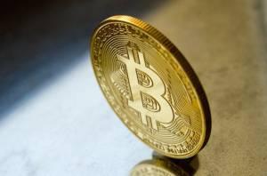 Bitcoin powinien nadal spadać, kurs BTC cierpi przez niski wolumen