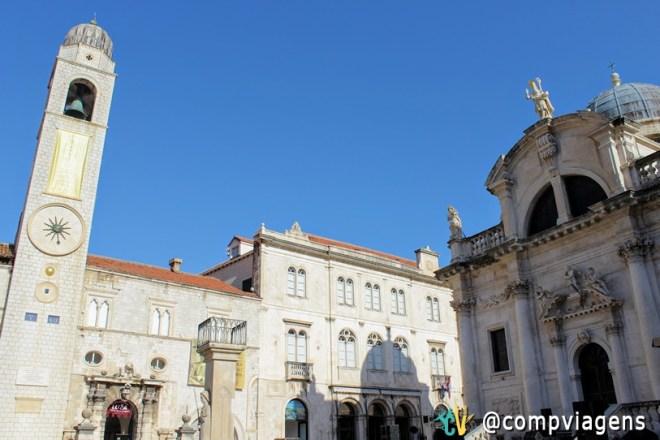 Torre do relógio e Igreja de São Braz