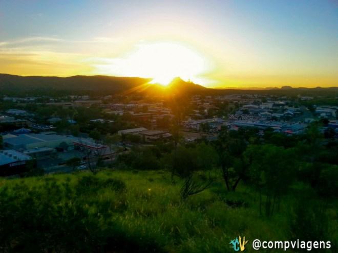 Pôr do sol em Alice Springs do Mirante ANZAC