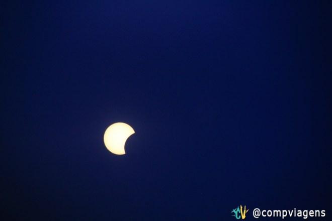 Eclipse visto com a ajuda de uma chapa de raio-x