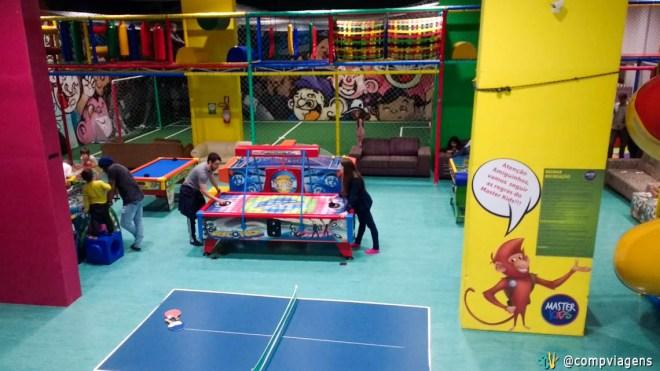 Playground tão completo que nem os adultos resistem!