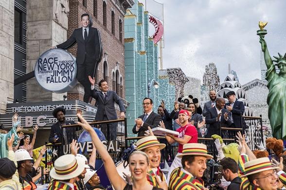 Cerimônia de abertura da atração Race Through New York Starring Jimmy Fallon no Universal Studios Florida (Foto: Divulgação)
